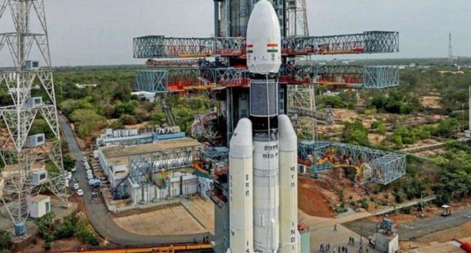 All set to launch Chandrayan-2, President to witness today night at Sriharikota