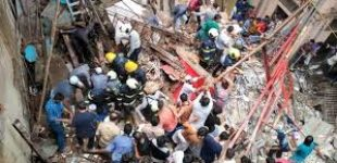Two killed , 40 trapped in Mumbai building collapse