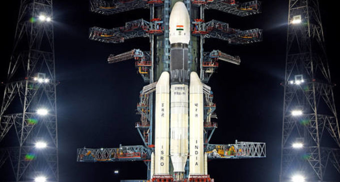 Leak in cryogenic engine aborts Chandrayaan