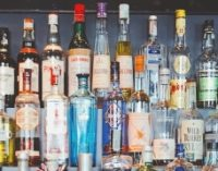 Jagan govt to operate 4975 liquor shops from October 1.