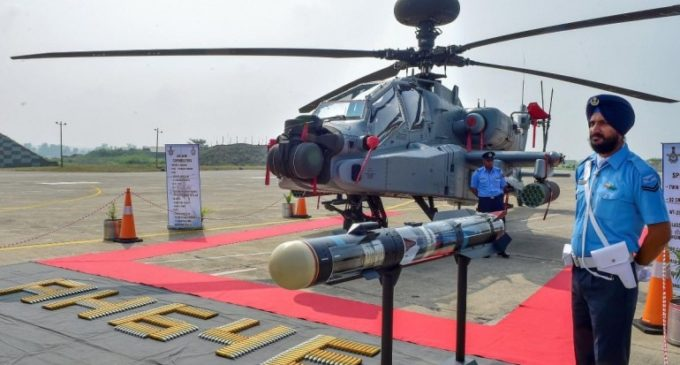 iAF gets Apache combat choppers