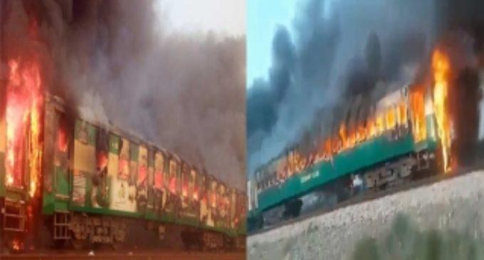 Pak train blast kills 62 passengers