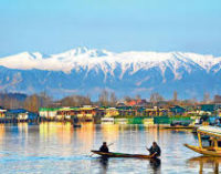 Restictions End for Tourists in Kashmir